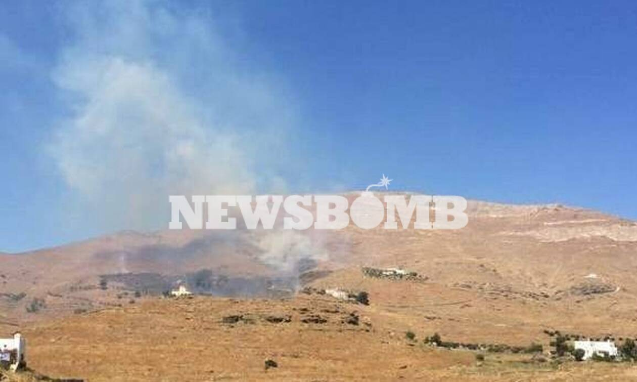 Φωτιά ΤΩΡΑ στη Σύρο (pics)