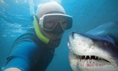 Έρευνα: Οι selfies πιο θανατηφόρες και από τους... καρχαρίες!
