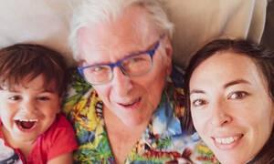Η τρυφερή φωτογραφία της οικογένειας Βουτσά και τα σχόλια των followers