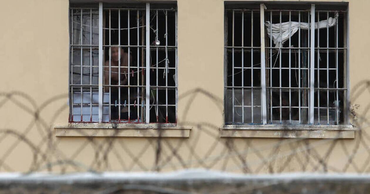 Ποινικός κώδικας: Τι αλλάζει για πολυισοβίτες, μολότοφ και εμπρηστές