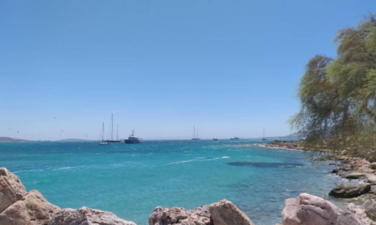 Ετοιμάζεσαι για διακοπές στην Αντίπαρο; Δες τι σε «βρει» απέναντι από την Πάρο