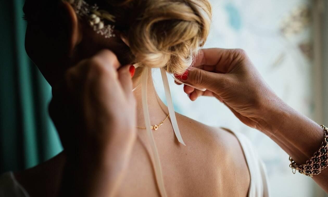 Xαμός σε γάμο: Δείτε πώς εμφανίστηκε η κολλητή της νύφης (pics)