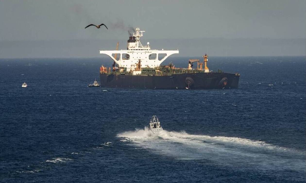 «Πόλεμος» ΗΠΑ - Ιράν: «Μην τολμήσετε να δεχτείτε το δεξαμενόπλοιο» - Πώς έμπλεξε η Ελλάδα