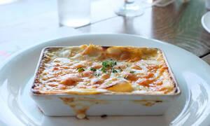 5 συνταγές με τυρί που πρέπει σίγουρα να ετοιμάσεις στο επόμενο κάλεσμα με φίλους
