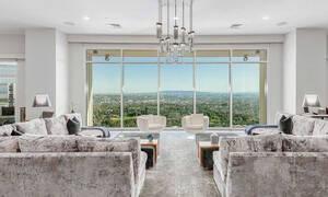 Δες το σπίτι του ηθοποιού Matthew Perry από τα Φιλαράκια που πωλείται στο Los Angeles