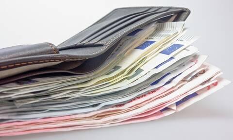ΟΠΕΚΑ: Προχωρά στην καταβολή επιδομάτων, συντάξεων και παροχών των προνοιακών προγραμμάτων