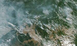 Ο Αμαζόνιος φλέγεται - Σκοτάδι στο Σάο Πάολο από τους καπνούς (vids)