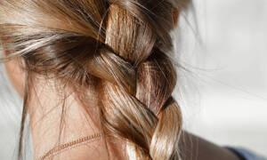 Scrub μαλλιών: ποιος είπε πως η απολέπιση είναι μόνο για το σώμα;