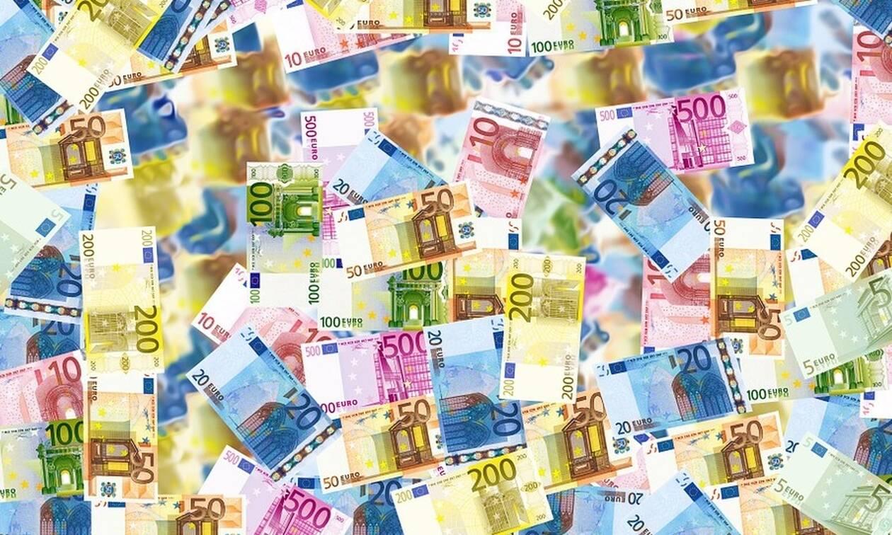 Έρχεται «ζεστό» χρήμα τις επόμενες ημέρες: Πότε θα πληρωθούν  συντάξεις και επιδόματα