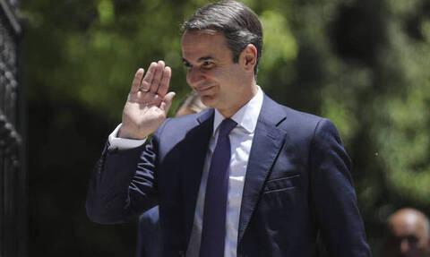 Мицотакис пребывает с официальным визитом в Париже