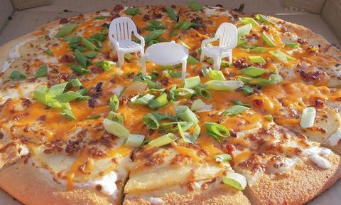 Αυτή την πίτσα την παραγγέλνεις για το... κουτί της! (pics)