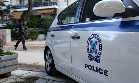 Ντροπή: Οργισμένος άνδρας έκανε «γυαλιά-καρφιά» αυτοκίνητο ΑμΕΑ (pics)