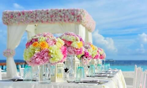 Καλεσμένη σε καλοκαιρινό γάμο; 4 χτενίσματα που σίγουρα μπορείς να κάνεις και μόνη σου (pics)