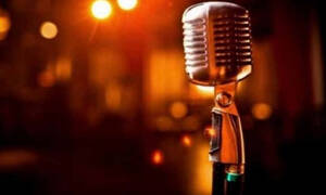 Συγκλονίζει γνωστός τραγουδιστής με την αποκάλυψη: «Μου έκοψαν τα νεύρα, τρέμω, το χέρι μου είναι κρύο» (video)