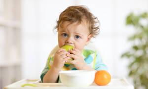 Ποια είναι τα κατάλληλα τρόφιμα για ένα μωρό ενός έτους (vid)