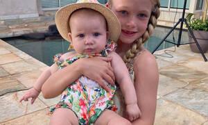 Οι δύο κόρες της ηθοποιού μοιάζουν εκπληκτικά και θα σε κάνουν να λιώσεις (photos)