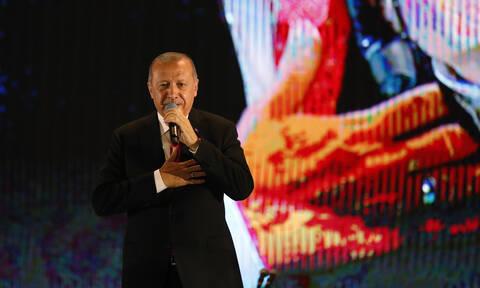 Εκτός ελέγχου ο Ερντογάν: «H Δύση απειλεί, αλλά εμείς δεν καταλαβαίνουμε από απειλές»