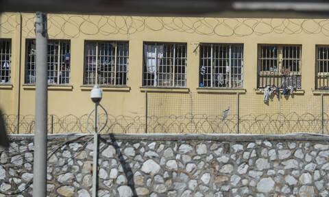 Τρομακτική κατάσταση στις φυλακές: Χωρίς κάμερες, ηλεκτρονικές κλειδαριές και ανιχνευτές κίνησης