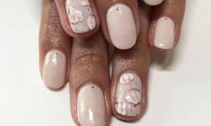 Δες όλα τα σχέδια για manicure με κοχύλια