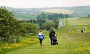 Βγήκαν για περπάτημα στην εξοχή: Αυτό που ανακάλυψαν τους άλλαξε τη ζωή