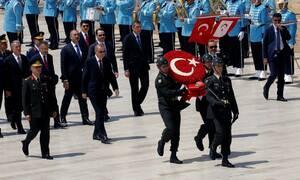Τουρκία: Πέντε ανώτεροι αξιωματικοί υπέβαλαν τις παραιτήσεις τους