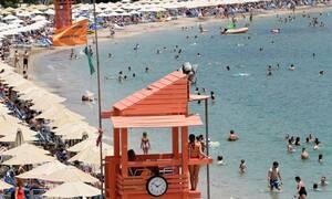 Καιρός: Στο «κόκκινο» και σήμερα ο υδράργυρος - Ισχυροί άνεμοι στο Αιγαίο
