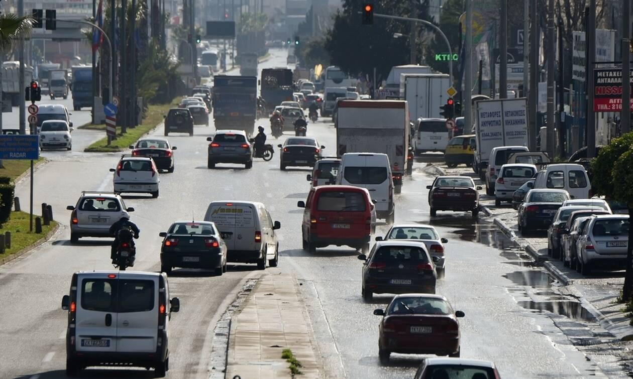 Αλλαγές στα τέλη κυκλοφορίας: Νέος τρόπος μέτρησης των εκπομπών ρύπων (vid)
