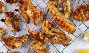 Η συνταγή της ημέρας: Φτιάξτε πεντανόστιμα παϊδάκια κοτόπουλου
