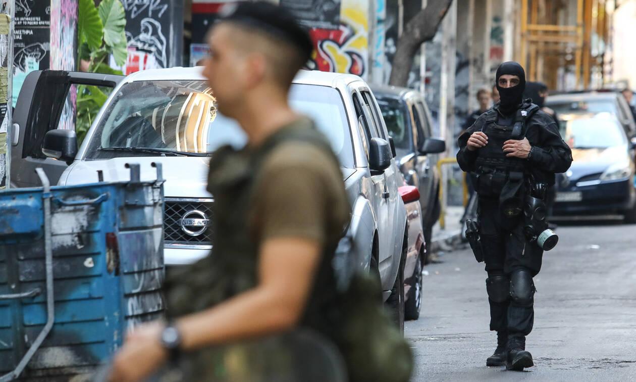 Εξάρχεια: Τρεις προσαγωγές από τη μεγάλη αστυνομική επιχείρηση (pics&vids)