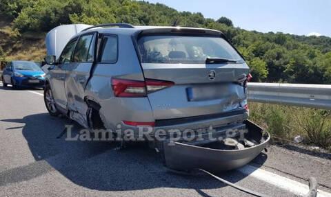 Τρομακτικό τροχαίο στη Φθιώτιδα: Πέρασε στο αντίθετο ρεύμα και εμβόλισε αυτοκίνητο με οικογένεια