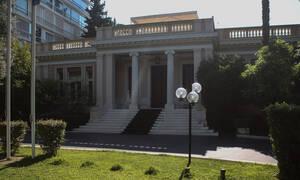 Capital controls και επιχείρηση σκούπα: Γιατί η κυβέρνηση πιάνει στον «ύπνο» την αντιπολίτευση