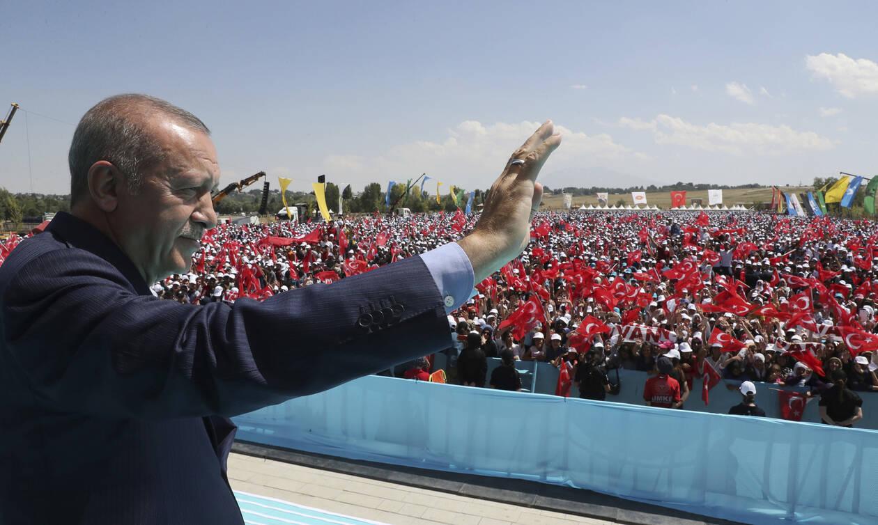 Αποκάλυψη: Τι συζήτησαν Ερντογάν και Τατάρ - Σχέδιο για πλατφόρμες στην κυπριακή ΑΟΖ