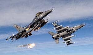 Τουρκικές προκλήσεις στο Αιγαίο: Σκληρές αερομαχίες με 19 εμπλοκές