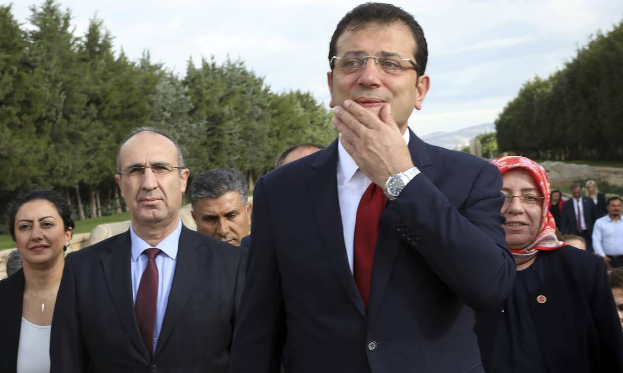 Τουρκία: Ο Ιμάμογλου «κόβει τα πόδια» του Ερντογάν