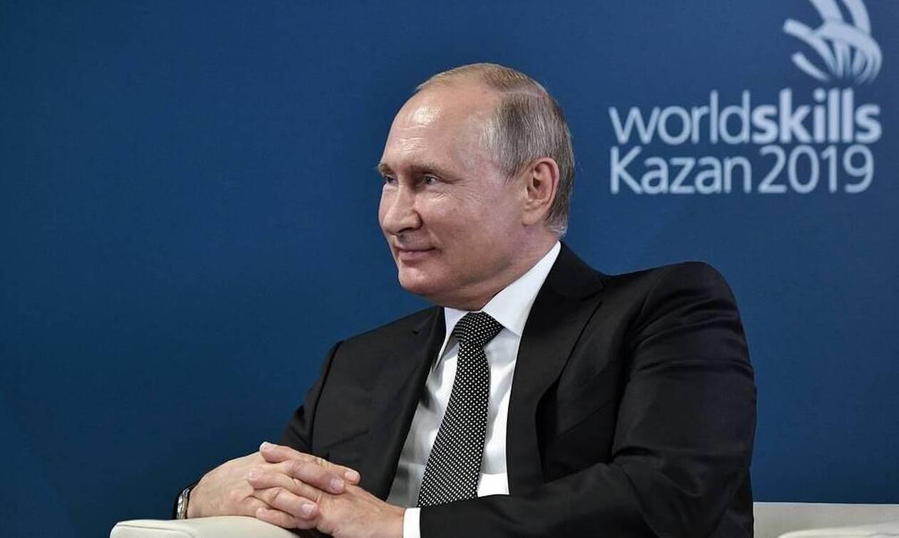 Путин уверен, что соревнования в сфере профессионального мастерства будут развиваться