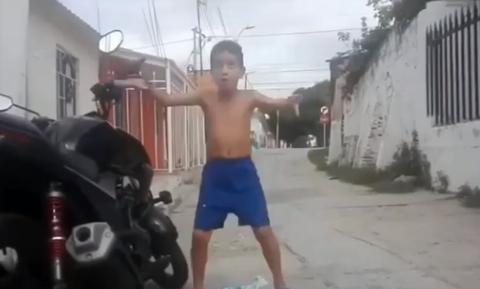 Ξεκαρδιστικό video: Πιτσιρικάς χορεύει με τον... συναγερμό!