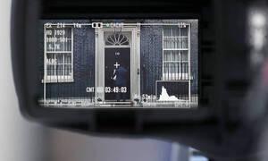 Σε αχαρτογράφητα νερά και πάλι η Βρετανία: Νόμιμο ή αντισυνταγματικό το κλείσιμο της Βουλής;
