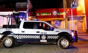 Φρίκη στο Μεξικό: Λουτρό αίματος σε μπαρ – Τουλάχιστον 28 νεκροί από επίθεση κακοποιιών