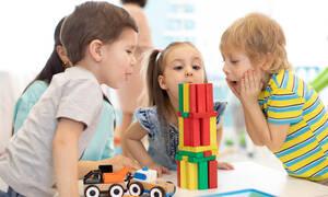 Παιδικός Σταθμός: Συμβουλές από μια ψυχολόγο για τους γονείς που αγχώνονται