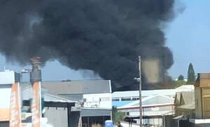 Κύπρος: Πυρκαγιά στον Στρόβολο - Ψάχνουν για εγκλωβισμένο μέσα στο φλεγόμενο εργοστάσιο
