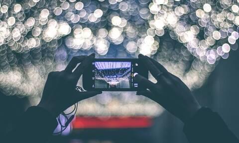 Τρίκαλα: Εξερράγη κινητό τηλέφωνο μέσα σε καφετέρια – Απίστευτες εικόνες (vid)