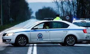 Ληστεία σε τράπεζα στην Αχαΐα: «Παπάς» με καλάσνικοφ άρπαξε 130.000 ευρώ (vid)