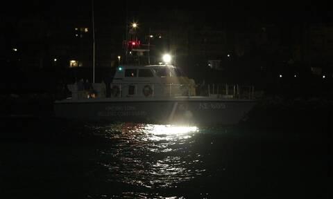 Συναγερμός στη Σίφνο: Εισροή υδάτων σε σκάφος με τέσσερις επιβαίνοντες
