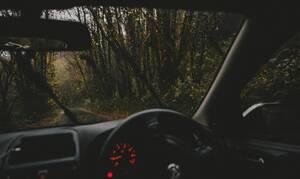 Ο πιο απίστευτος οδηγός: Αυτό που έκανε του κόστισε ακριβά! (pics)