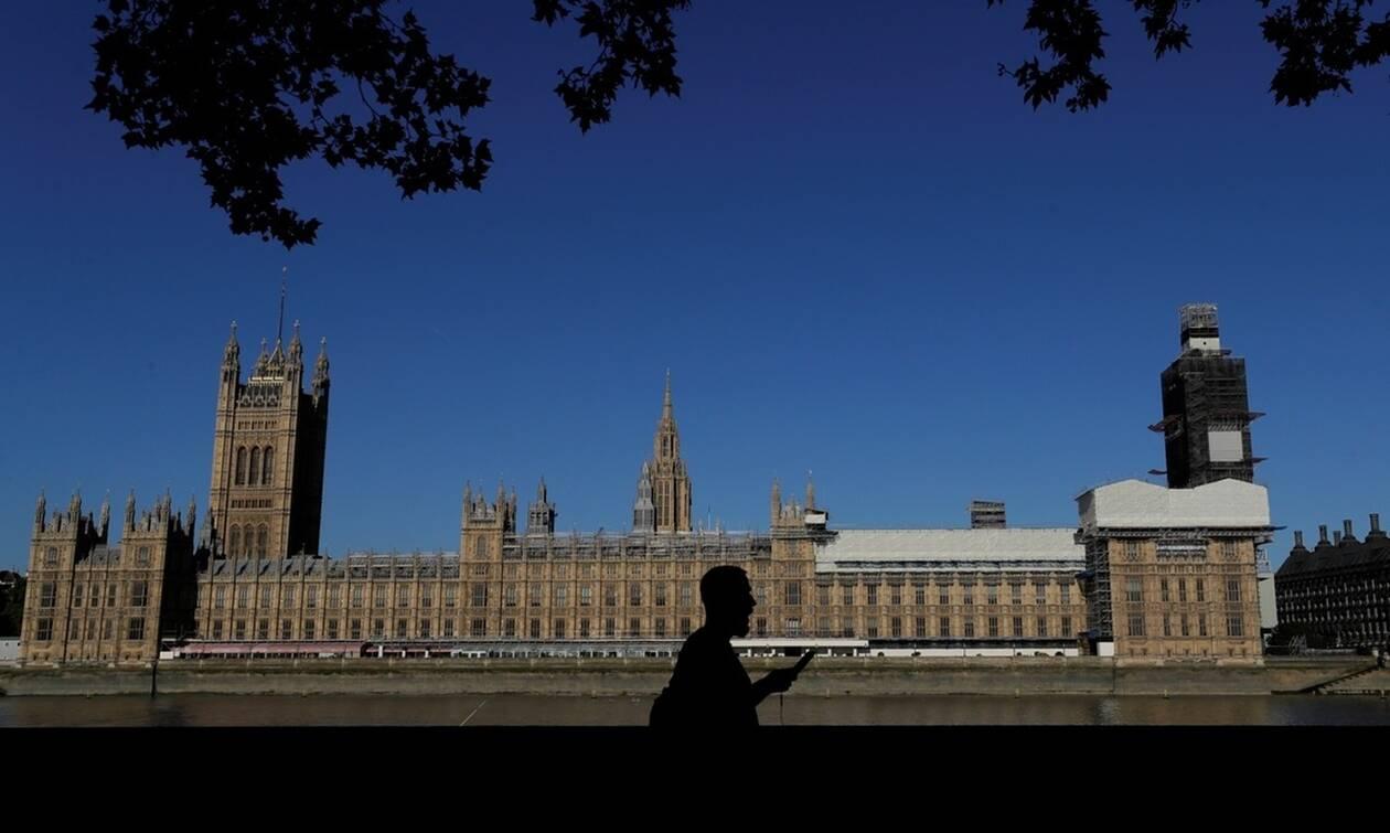 Brexit: Η αντιπολίτευση ζητά από τον Τζόνσον να ανοίξει τη Βουλή