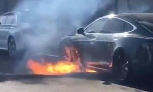 Πόσες ώρες μετά το ατύχημα μπορεί να πάρει φωτιά η μπαταρία ενός ηλεκτρικού αυτοκινήτου;