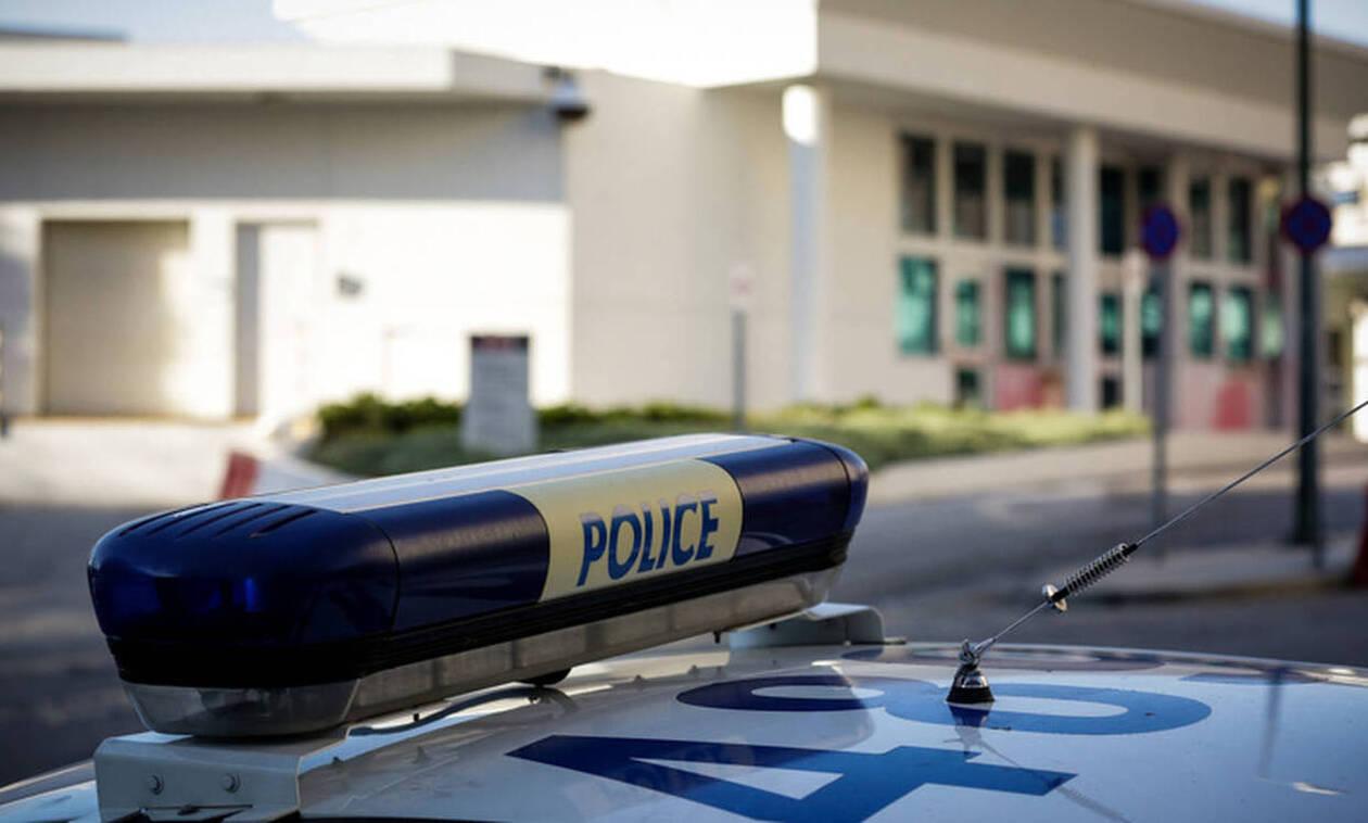 Ιωάννινα: Κατασχέθηκαν όπλα και πυρομαχικά σε σπίτι στην Άρτα - Συνελήφθη ένας 80χρονος