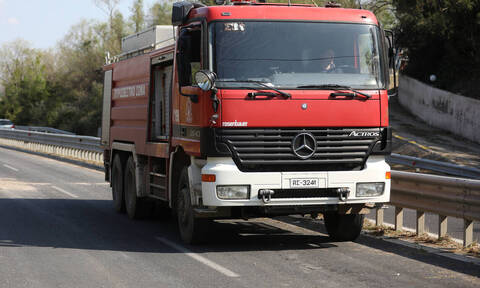 Ιωάννινα: Πυρκαγιά σε αποθήκη με ανακυκλώσιμα υλικά στη ΒΙΠΕ της Πρέβεζας