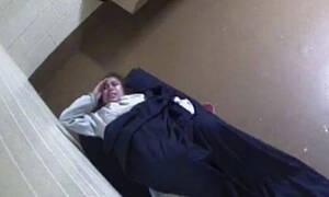 Σοκαριστικό video: Καλούσε σε βοήθεια αλλά την άφησαν να γεννήσει μόνη της