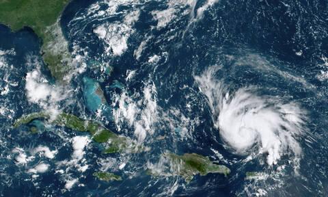 Ο κυκλώνας Ντόριαν απειλεί τις Η.Π.Α. - Ενισχύθηκε στην εξαιρετικά επικίνδυνη Κατηγορία 4